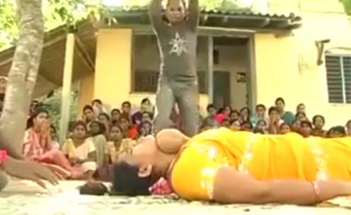 wanita india kuat