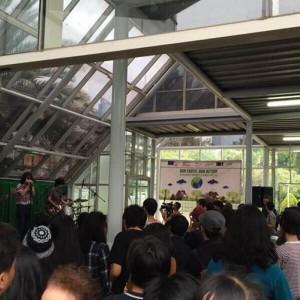 Grup band Indonesia Indische Party dan kolaborasi musik musisi asal Jogjakarta Frau dan paduan suara Dialita tampil dalam rangka ekspresi terhadap penanganan perubahan iklim yang saat ini menjadi pembahasan dunia.  (ist)