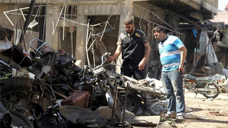 Pasar Maarat al-Numan di provinsi Idlib hancur akibat serangan udara. (Al Jazeera/Reuters)