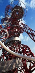 Seluncur tertinggi dan terpanjang dunia di London. (mirror.co.uk)