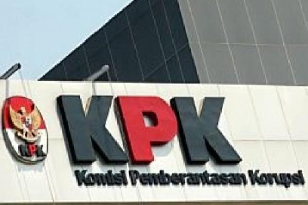 KPK Detail: Masalah E-KTP, KPK Periksa Advokat Hotma Sitompoel