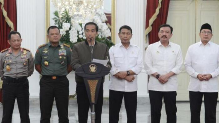 Presiden Jokowi dan jajaran di Istana Kepresidenan Jakarta> (foto ist)