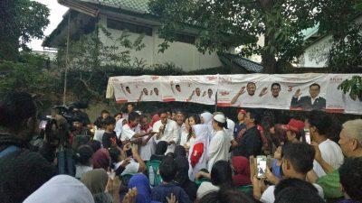 Sandiaga Uno di depan massa pendukungnya di Kawi-Kawi-Atas, Johar Baru.