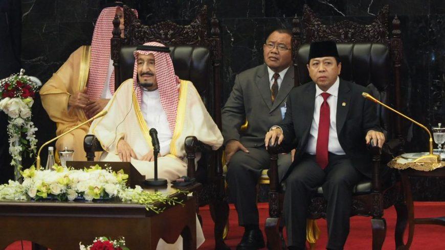 Ketua DPR RI Setya Novanto bersama Raja Arab Saudi Salman Bin Abdulaziz Al Saud. (Foto: Tim Parlemen/dpr.go.id)