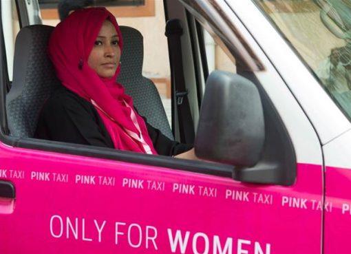 Pink Taxi, taksi khusus perempuan. (Foto: Reuters)