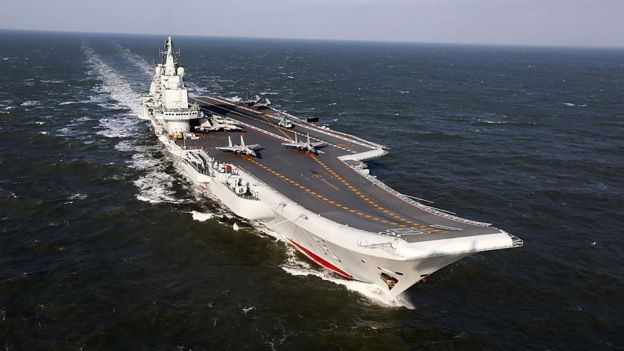 Kapal induk Cina pertama, Liaoning, adalah kapal Soviet yang diperbaharui. (Foto:BBC)