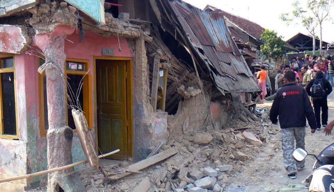 Akibat gempa di indonesia