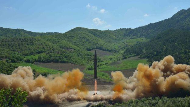 Media Korea Utara menyiarkan foto ini Selasa (4/7). (Foto: KCNA/BBC News)