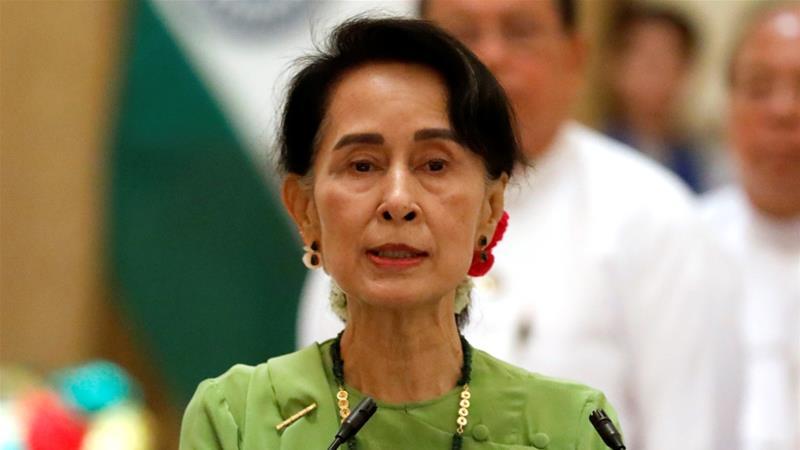 Aung San Suu Kyi telah sangat dikritik karena tidak berbicara menentang penderitaan Rohingya. (Foto: Reuters/Al Jazeera)