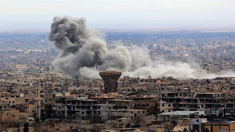 Pasukan Suriah tetap melakukan serangan udara di Ghouta Timur, Surah, meski dalam kondisi gencatatan senjata. (Foto: Al Jazeera)