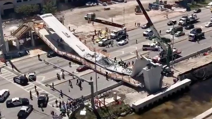 Empat orang tewas dan 10 lainnya cedera akibat himpitan jembatan yang ambruk di dekat Florida International University, di Miami. (Foto: BBC News)