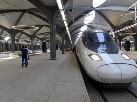 Kereta berkecepatan tinggi Haramain dapat membawa 60 juta penumpang per tahun dengan armada 35 kereta yang masing-masing memuat 417 kursi.(Foto: SPA/Arab News)