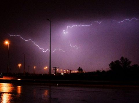 Cuaca ekstrim membayangi Arab Saudi dan cuaca buruk itu diprediksi akan terjadi di sejumlah wilayah Arab Saudi sepanjang pekan ini. (Foto: SPA/Arab News)