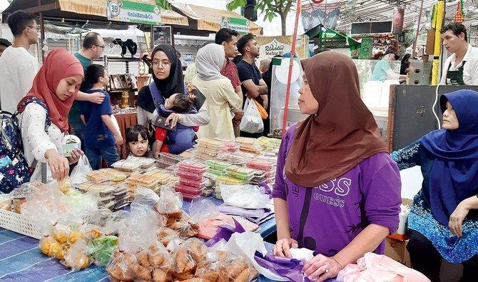 Singapura merayakan Ramadhan dengan pasar dan biryani. (Foto: Arab News)