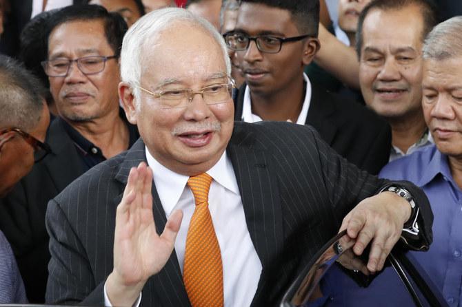 Pengadilan korupsi yang berhubungan dengan mantan PM Malaysia Najib Razak terkait 1MDB dimulai Senin (18/11). Najib Razak diadili bersama mantan CEO 1MDB Arul Kanda Kandasamy. (Foto: AP/Arab News)
