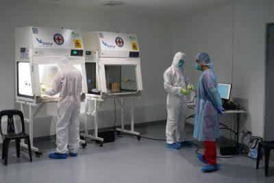 Filipina sedang meningkatkan pengujian untuk coronavirus dengan bantuan Palang Merah yang laboratoriumnya bertujuan untuk menguji 1.000 sampel sehari.(Foto: IFRC Asia Pasifik/Al Jazeera)