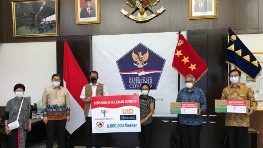 Penyerahan sumbangaan masker mediis dar Yayasan Upaya Indonesia Damai.(Foto Istimewa)