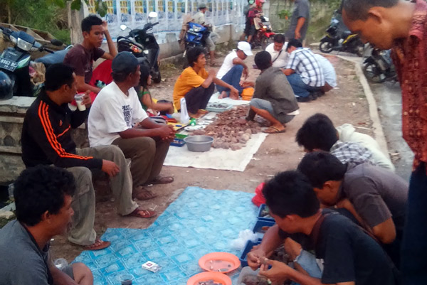 Pedagang batu akik