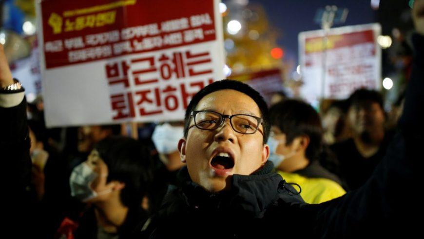 Aksi unjuk rasa anti-Presiden Park Geun-hye di Seoul, Sabtu. (Foto:Reuters)