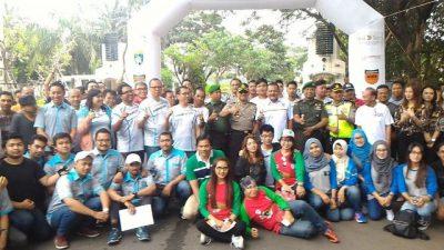 Foto bersama para peserta dan panitia time rally di Malang. (ist)