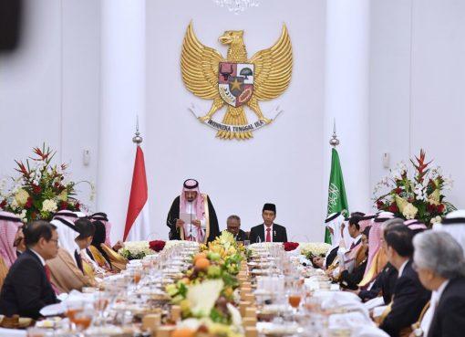 Pertemuan antara Presiden Joko Widodo dan Raja Arab Saudi Salman bin Abdul Aziz al-Saud di Istana Kepresidenan Bogor, Jawa Barat ( 1/3) berlangsung sangat bersahabat dan produktif. Sejumlah kesepakatan berhasil tercapai.(Foto: presidenri.go.id)