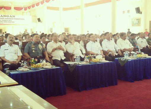 Sejumlah menteri hadir dalam acara pencanangan program Gerakan Pembangunan Terpadu Kawasan Perbatasan (Gerbangdutas), di Kabupaten Natuna, Kepri, Rabu (8/3). (Foto: Puspen Kemendagri)