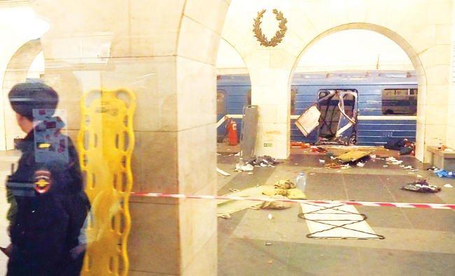 Kereta korban bom di St Petersburg, Rusia. (Foto: AFP/Arab News)