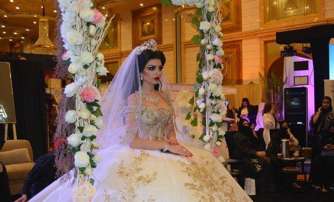 Desain pakaian pengantin terbaru dipamerkan di European Saudi International Wedding Expo, Jedda. (Foto: AN/Arab News)