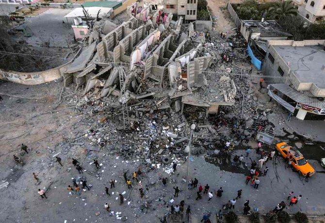 Sisa-sisa bangunan di Kota Gaza setelah dihantam serangan udara Israel. (Foto: AFP/Arab News)